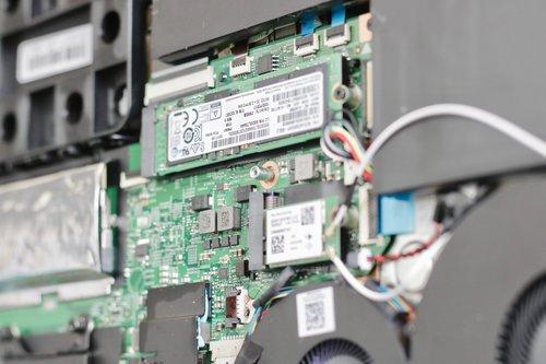 Lenovo IdeaPad 720/ fot. mobiManiaK.pl