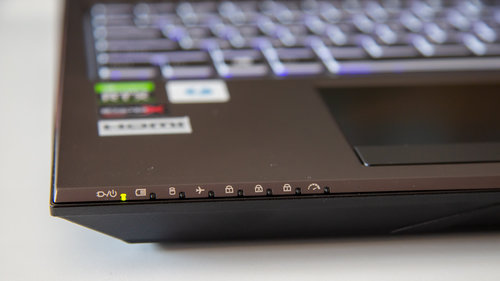 Hyperbook SL504 OLED / fot. techManiaK.pl