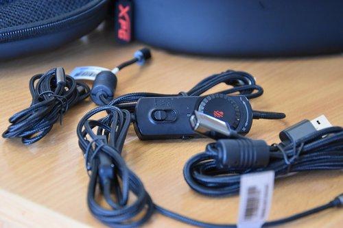 XPG PRECOG wszystkie przewody w zestawie / fot. techManiaK