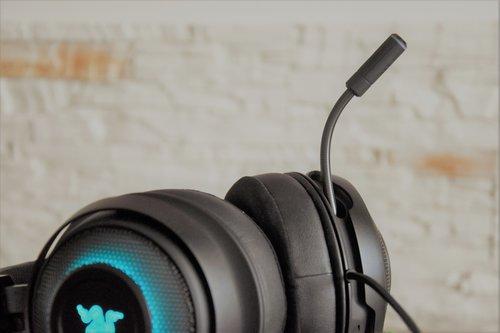 Razer Kraken Ultimate: mikrofon aktywny / fot. techManiaK