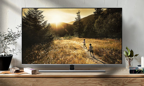 Samsung UE55NU8002 / fot. Samsung