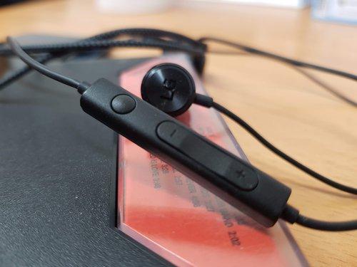 LG V40 pilot zestawu słuchawkowego