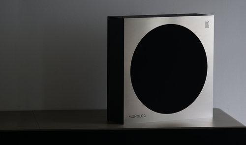 MONOLOG square / fot. LOG Audio