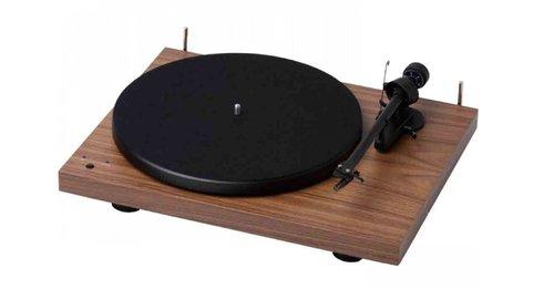 Pro-Ject Debut III Recordmaster Orzech / fot. Pro-Ject