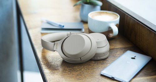 WH-1000XM3 - bezprzewodowe słuchawki // Źródło: Sony;