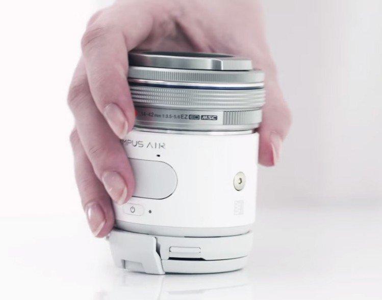 Olympus Air A01 zamieni smartfona w zaawansowany aparat - aparat bezkorpusowy fotograficzne akcesoria do smartfona Mikro Cztery trzecie smartfon zamiast aparatu