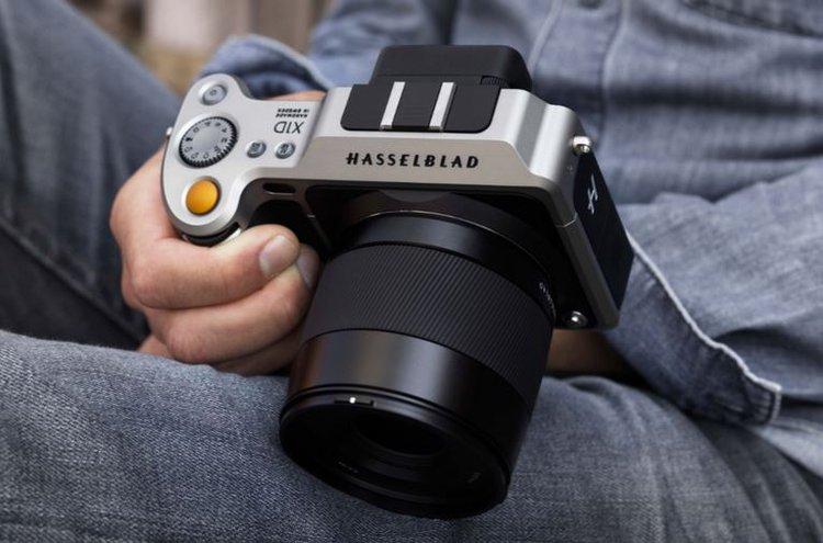 Hasselblad X1D to pierwszy na świecie bezlusterkowiec średnioformatowy - aparat średnioformatowy