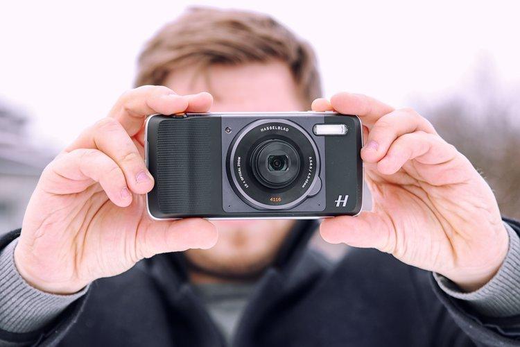 Test modułu MotoMod Hasselblad 4116 True Zoom. Czy zamieni smartfon w profesjonalny aparat? -