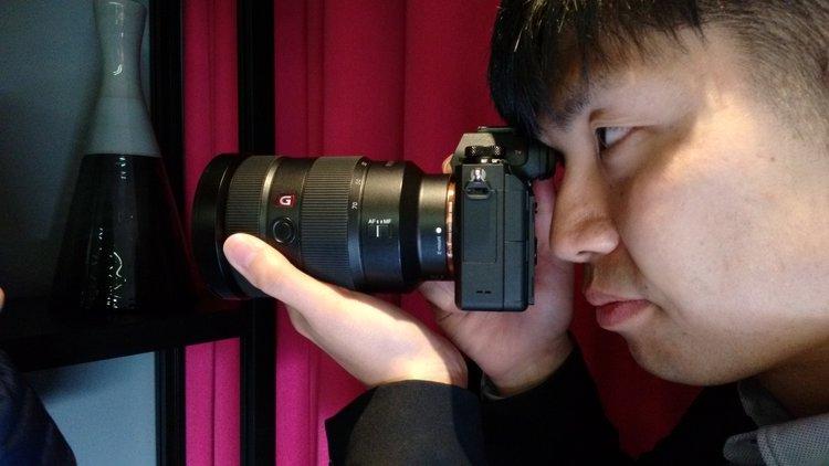 Pełnoklatkowy bezlusterkowiec Sony A9: bezgłośna migawka, bezbłędny autofokus -