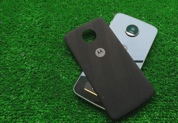 Motorola Moto Z2 Play trafia do GeekBench -