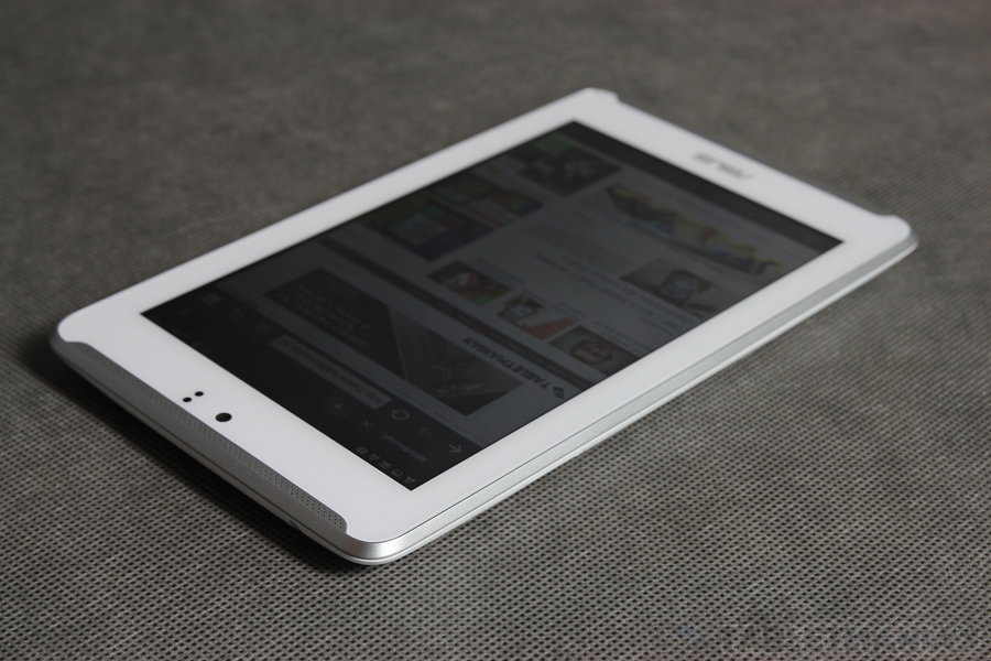 ASUS Fonepad 7 (ME372CL) / fot. tabletManiaK.pl