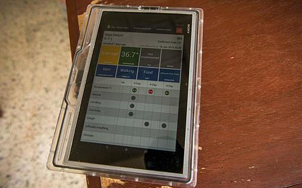 Tablet odporny na Ebolę, czyli zmodyfikowana Xperia /fot. The Telegraph