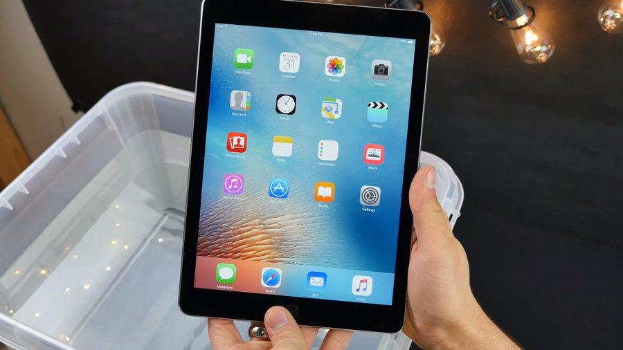 Test 9,7-calowego iPada Pro / fot. EverythingApplePro